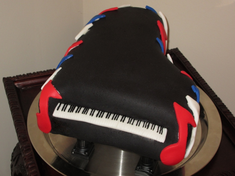 Grand piano cake made for Nanette's 2011 students recital