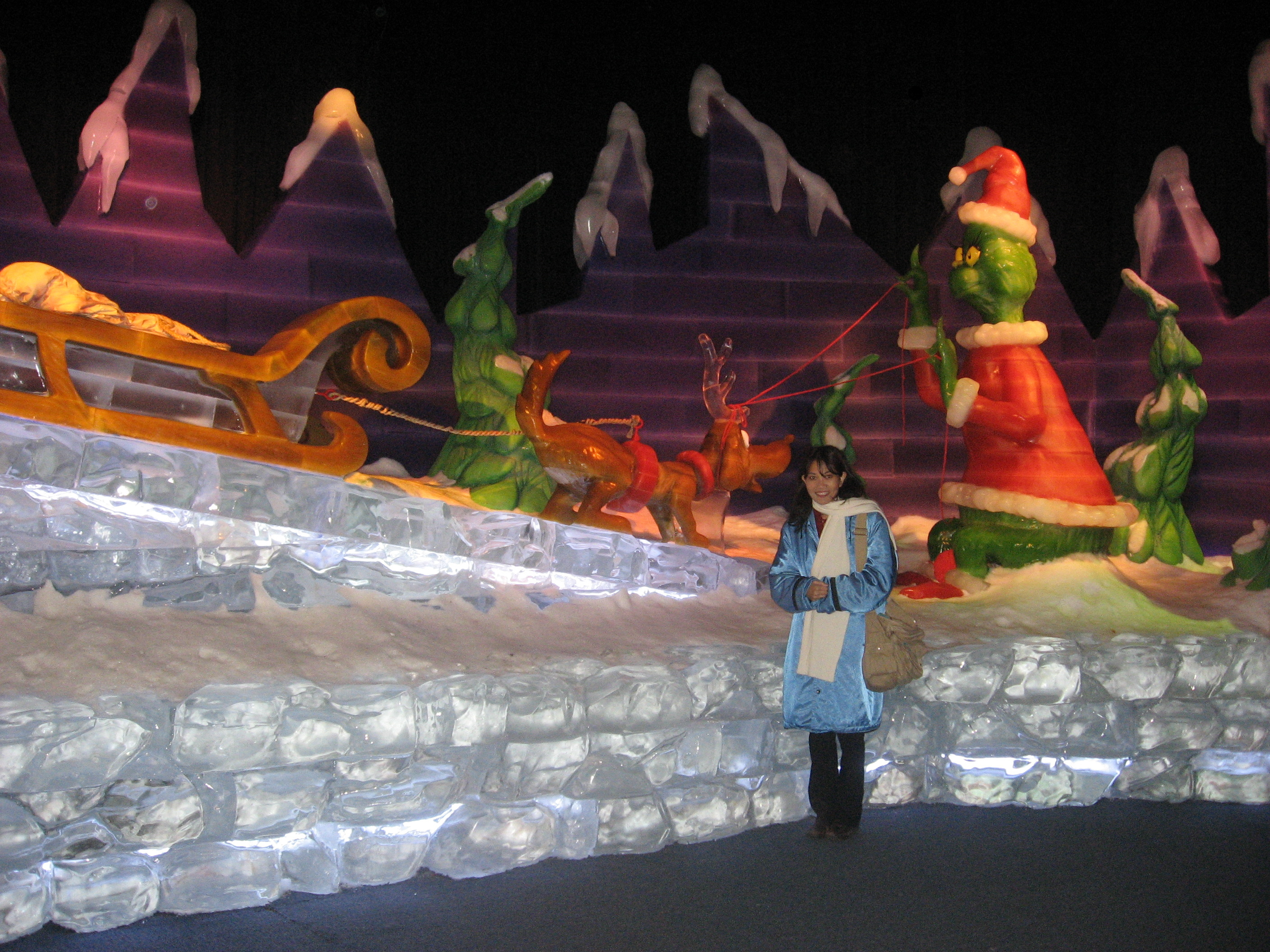 How To Make Bed Like Hotel How The Grinch Stole Christmas An Ice Sculpture Exhibit